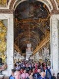 Hall av speglar, Versailles, Frankrike Arkivfoton