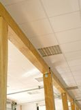 Hall avec pillars_canopy en bois Photos libres de droits