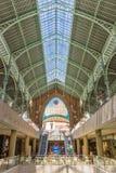 Hall coloré du marché de deux points de Mercado à Valence Photo stock