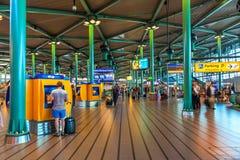 Hall d'entrée d'aéroport de Schiphol à Amsterdam Photo stock