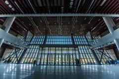 Hall d'un grand centre de congrès Images libres de droits