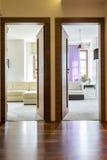 Hall de Chambre avec deux entrées Photos libres de droits