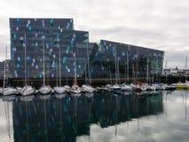 Hall de concert et de congrès de Harpa à Reykjavik Photo libre de droits