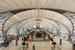 Hall de départ à l'aéroport de Suvarnabhumi Images libres de droits