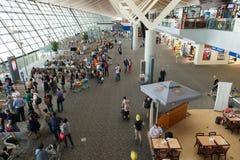 Hall de départ d'aéroport international de Shanghai Pudong Image stock