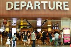 Hall de départ dans le terminal 1 dans l'aéroport de Changi Photo libre de droits