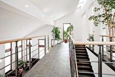 Hall de entrada con la escalera Imágenes de archivo libres de regalías