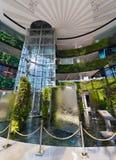 Hall de entrada de la alameda de Siam Paragon Shopping, Bangkok, Tailandia Imagen de archivo libre de regalías