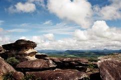 Hall des roches sur la route royale de Minas Gerais image stock