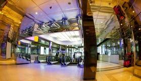 Hall eines modernen Geschäftszentrums Lizenzfreies Stockfoto