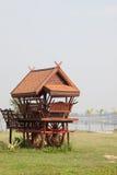 Hall en bois de reste sur le chariot Photos stock