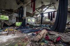 hall et serviettes abandonnés de stockage Images libres de droits