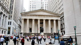 Hall fédéral avec Washington Statue sur l'avant, Manhattan, New York City Images stock