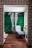 Hall i modernt hus Arkivfoto