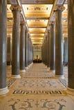 Hall im Museum. Stockbild