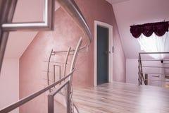 Hall med en trappuppgång Arkivbild