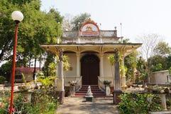Hall principal chez Wat Sri Rong Muang, Lampang, Thaïlande images stock