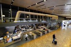 Hall principal de départ Aéroport de Vantaa helsinki finland Images libres de droits