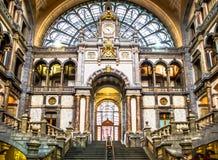 Hall principal de gare ferroviaire à Anvers - en Belgique Photographie stock