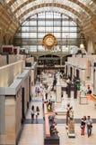 Hall principal du musée d'Orsay, Paris, France Photos stock
