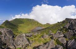 Hallasan-Vulkankrater auf Jeju-Insel, Südkorea lizenzfreie stockfotografie
