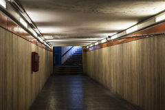Halle in der U-Bahnstation in Rom, Italien stockfotografie