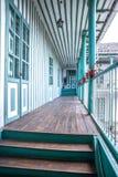 Halle im Freien eines alten Hauses Lizenzfreies Stockfoto