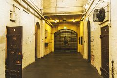 Halle innerhalb alten Melbourne-Gef?ngnisses/-Gaol lizenzfreie stockbilder