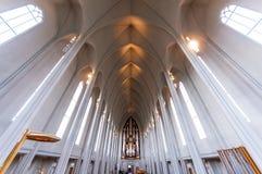Hallgrimskirkja教会中央教堂中殿在雷克雅未克,冰岛 免版税库存图片