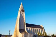Hallgrimskirkja em Reykjavik Fotos de Stock Royalty Free