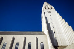 Hallgrimskirkja-Kirche in Reykjavik stockfotos