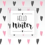 Hallo handlettering Aufschrift des Winters Drucke und Poster Übergeben Sie gezogene Winterinspirationsphrase auf abstraktem Herzh Stockbilder