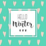 Hallo handlettering Aufschrift des Winters Einladung, Grußkarte, druckt Übergeben Sie gezogene Winterphrase auf abstraktem Herzhi Lizenzfreie Stockfotografie