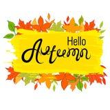 Hallo, Herbst Die Aufschrift auf dem Herbsthintergrund Gelbe und Orangenblätter Stockfotografie