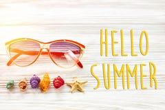 Hallo Sommertext, Reiseferienkonzept, Raum für Text, flach Stockbilder