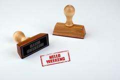 Hallo Wochenende Gummistampfer mit dem Holzgriff lokalisiert auf weißem Hintergrund Stockfoto