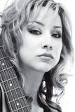 Hallo-zeer belangrijk portret met gitaar Stock Fotografie