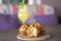 Halloumi muffin with fresh homemade lemonade on wood royalty free stock images