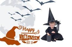 halloween Портрет маленькой девочки в шляпе ведьмы и черной одежде Стоковое Изображение RF