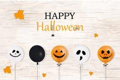 halloween счастливый Концепция праздника с хеллоуином раздувает, падая листья апельсина для знамени, плаката, поздравительной отк Стоковые Фотографии RF