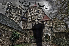 Halloween-Abbildung mit Schloss. Stockfotos