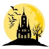 Halloween-Ansicht des Schlosses, des Mondes, der Schläger und des Hügels Schattenbildvektorillustration Lizenzfreie Stockfotografie