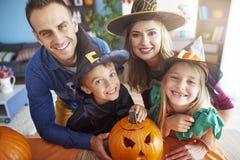 Halloween avec la famille Images libres de droits