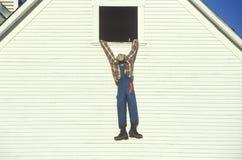 Halloween-blindes Hängen vom Hayloft, Neu-England Stockfotos