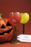 Halloween boit avec les gobelets gothiques de style de vintage - verticale. Images stock