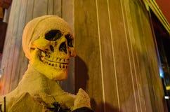 Halloween con un cranio Fotografia Stock Libera da Diritti