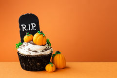 Halloween cupcake. With copyspace to side Royalty Free Stock Images