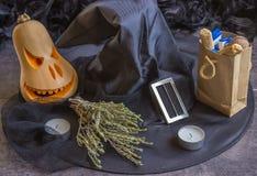 Halloween - das Konzept der Dekoration Stockfotografie