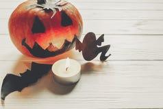 Halloween de pompoen van de hefboomlantaarn met de knuppels en de spin van het heksenspook Royalty-vrije Stock Afbeelding