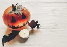 Halloween de pompoen van de hefboomlantaarn met de knuppels en de spin van het heksenspook Royalty-vrije Stock Foto's